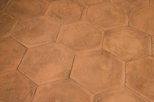 Tuiles en terre cuite sablés faits à la main
